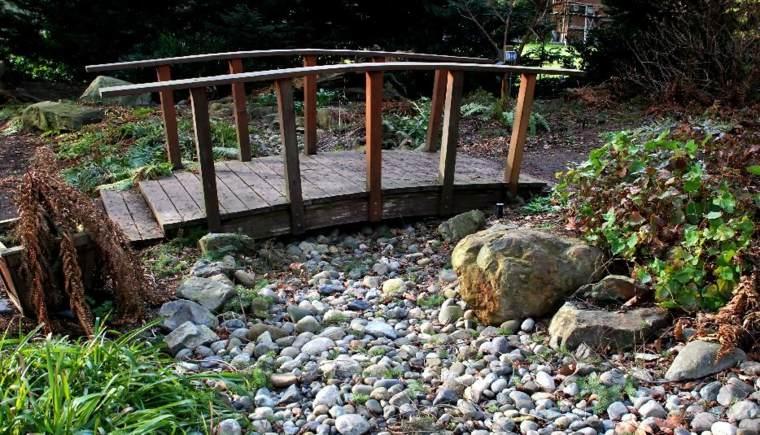 ideas para hacer un río de piedras
