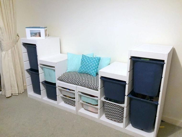 Mueble con canastas