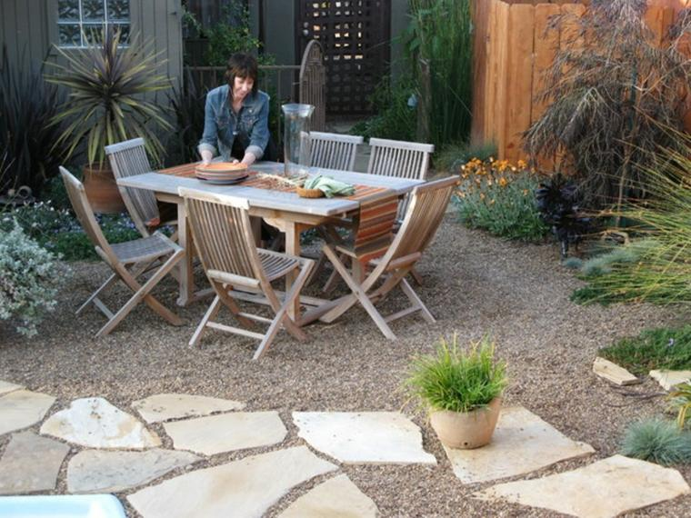 ideas with decorative stone for gardens