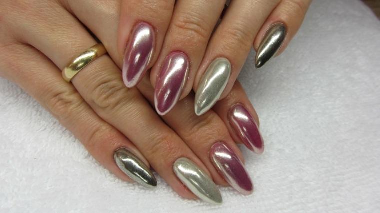 Uñas efecto espejo – última tendencia de moda en la decoración de uñas -