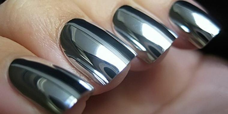 uñas-efecto-metalico-plata