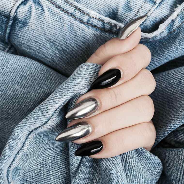 uñas-negro-y-metalizado