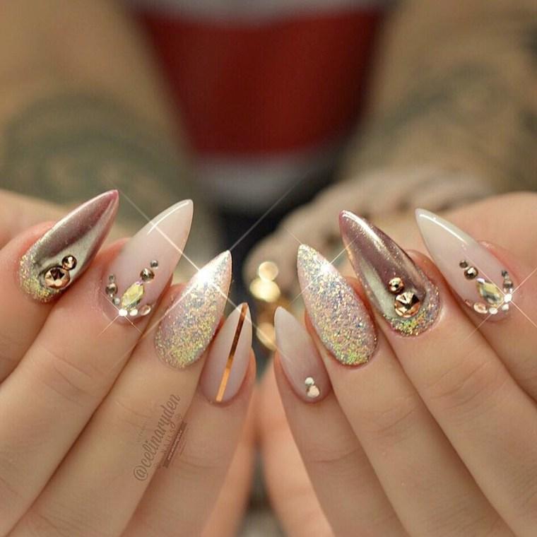 uñas-rosadas-efecto-espejo