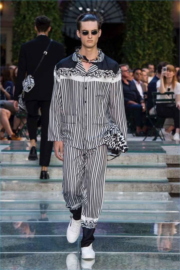 Versace-2018-primavera-pasarela-disenos