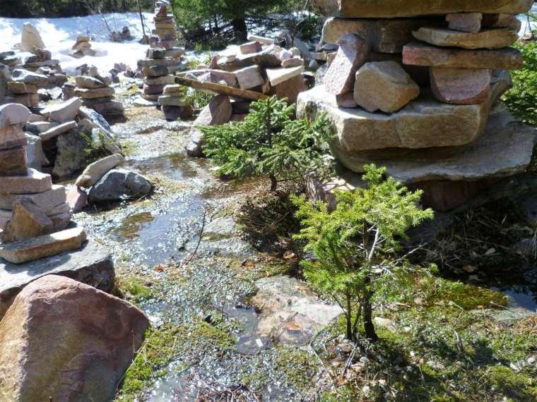 arroyo-decorado-con-piedras