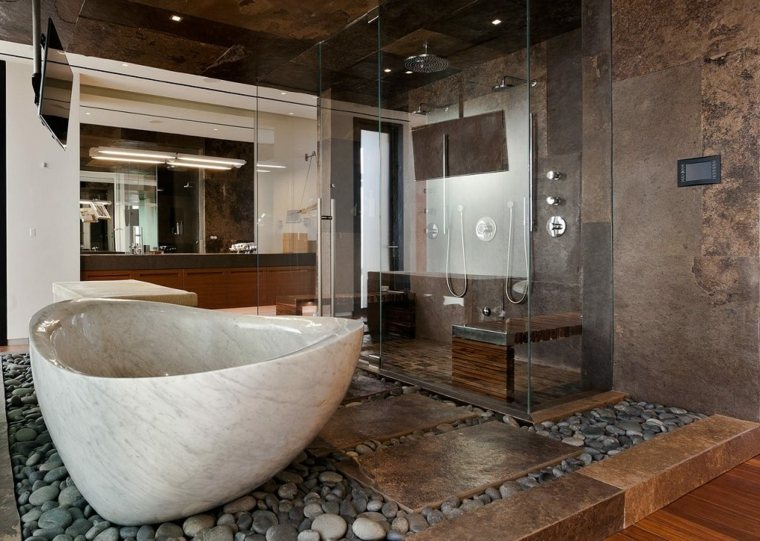 baños con suelos de piedra