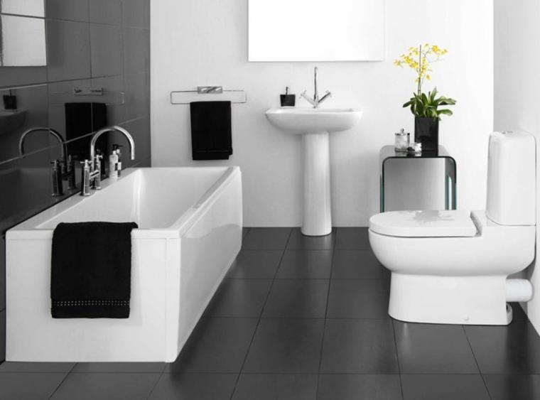 baños-blanco-negro-diseno-banera-moderna