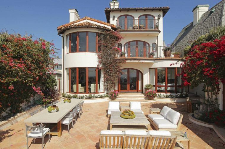 casa-bella-jardin-trasero-diseno-original