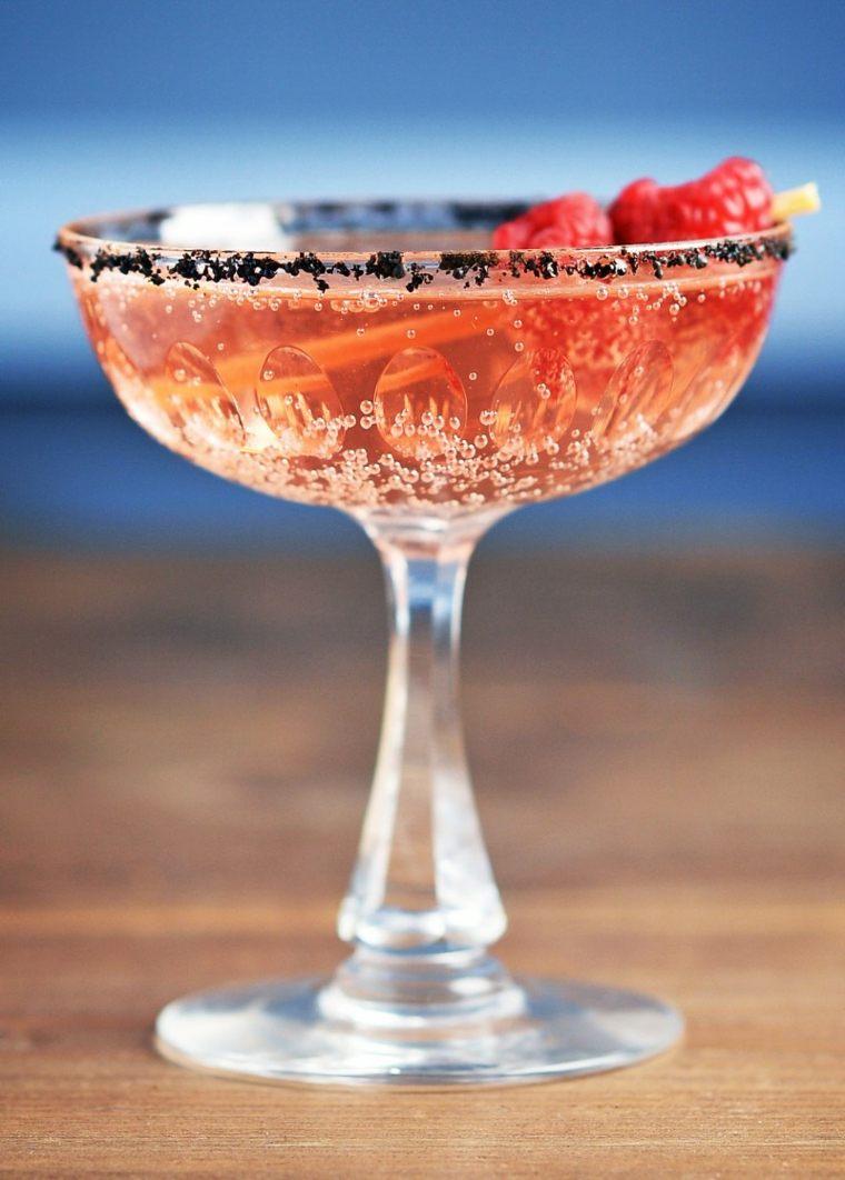 coctel de frutas-casero-peach-melba