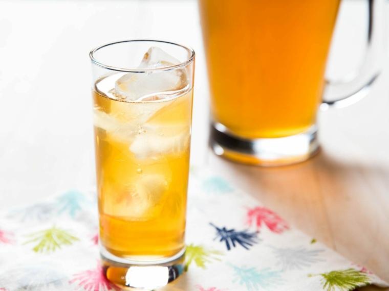 cocteles con alcohol-sin-alcohol-arnold-palmer