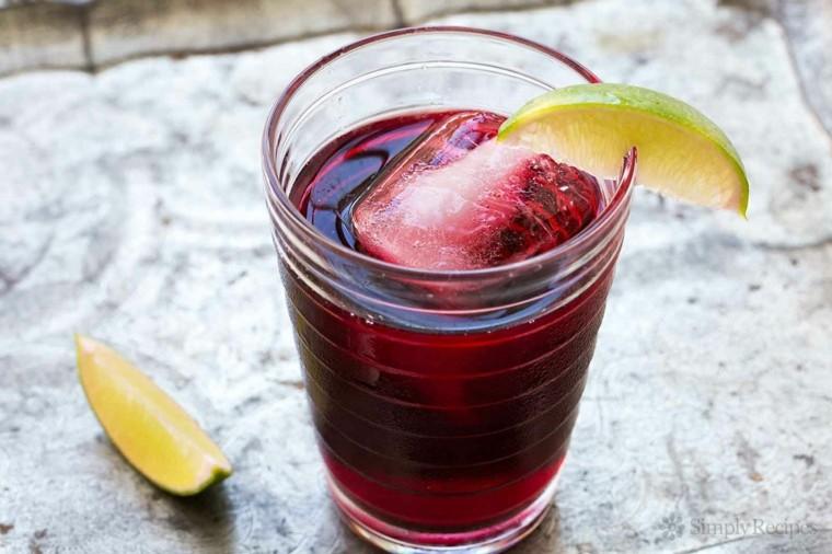 cocteles con vodka-sin-alcohol-agua-de-jamaica