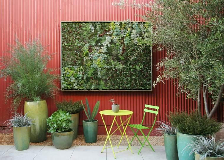 decoración de exteriores-jardin-macetas-jardin-vertical