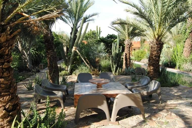 decoracion-de-exteriores-jardin-plantas-tropicales-ideas