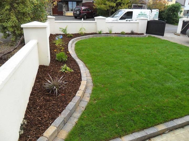 decoracion-de-jardines-patio-frontal