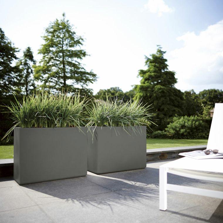 decoracion de terrazas-macetas-modernas