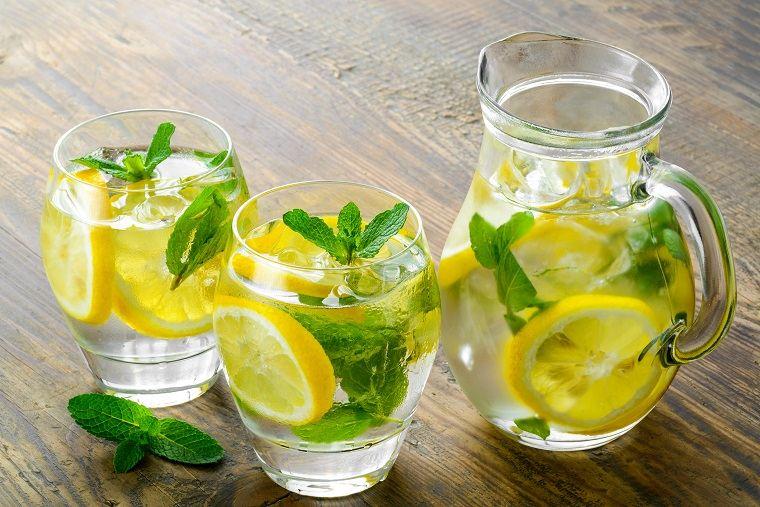 dieta para adelgazar-recetas-agua-menta-limon
