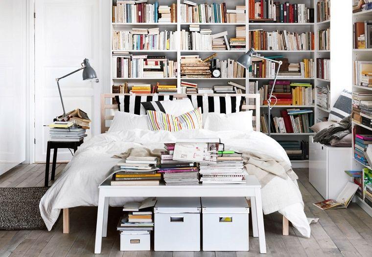 estantes-blancos-suelo-pared-cama-madera-muebles-blancos