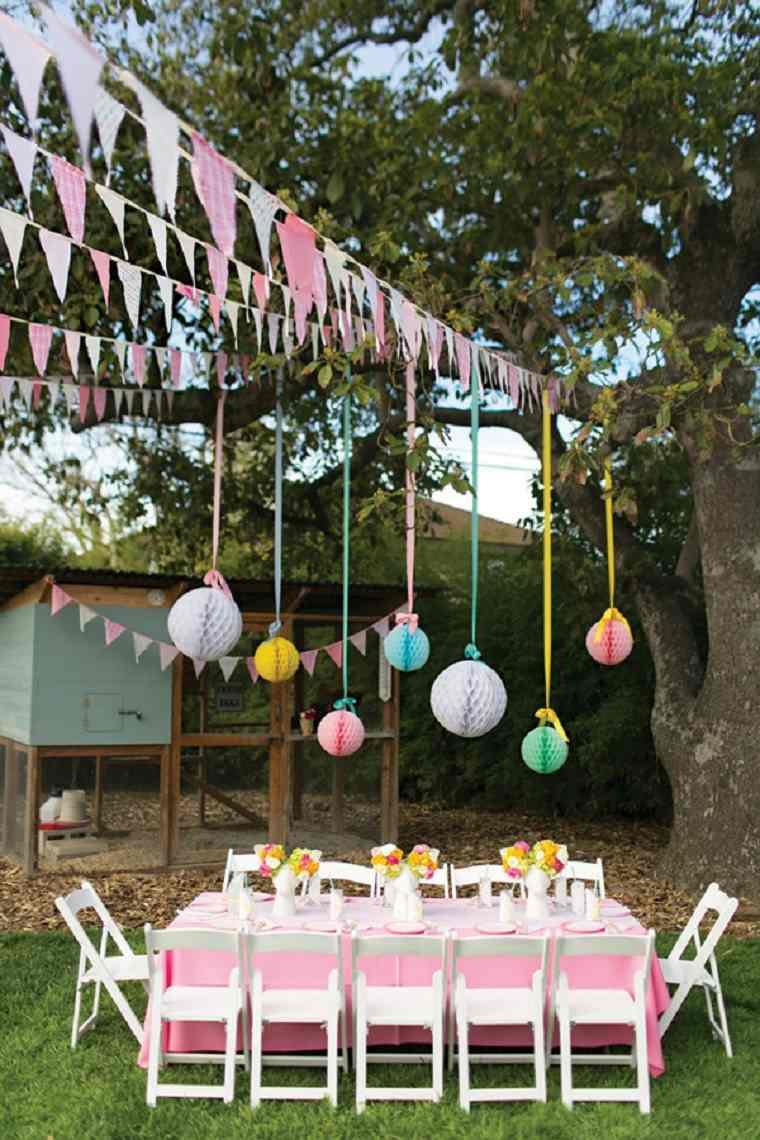 fiestas-infantiles-decoracion-globos-colgando