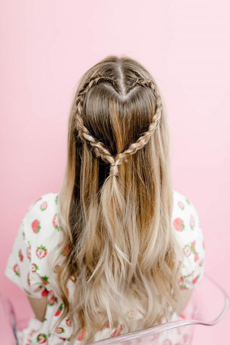 Peinados con cabello suelto para niñas