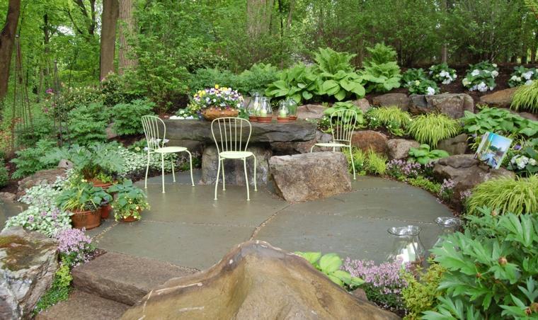 ideas-para-decorar-un-jardin-rustico-estilo-muebles-blancos