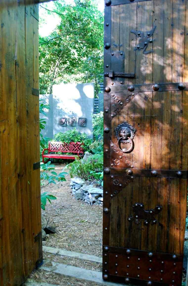 Ideas para decorar un jardín rústico opciones-puerta