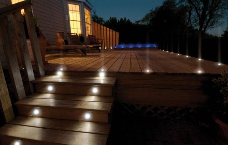 iluminacion exterior-escaleras-jardin-casa