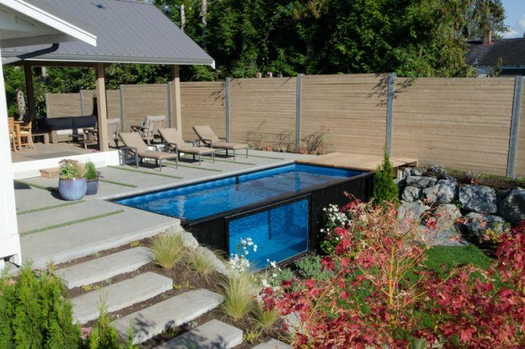 jardin-con-piscina-de-vidrio