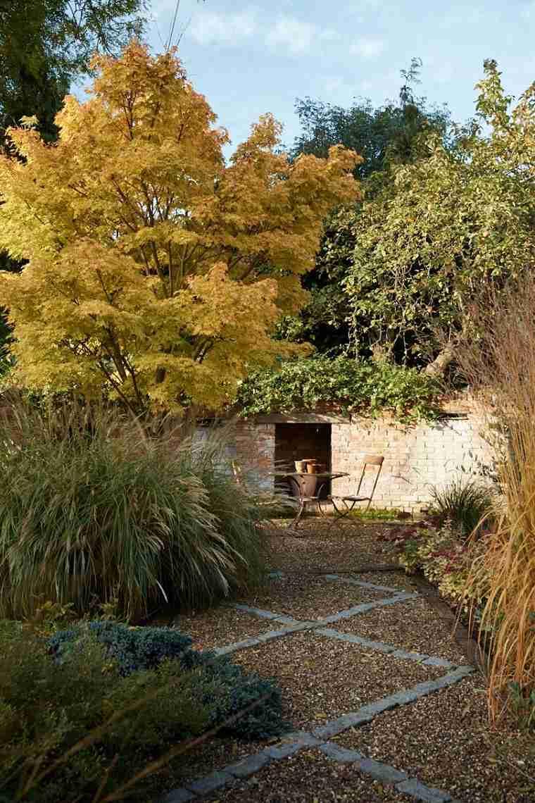 jardin-ideas-muebles-suelo-piedras