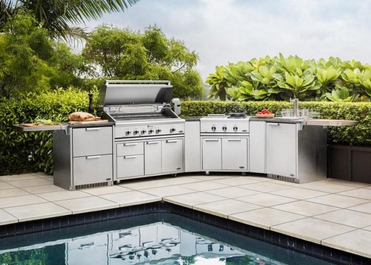 Dise o de cocinas modernas al aire libre perfectas para tu for Diseno de muebles de jardin al aire libre