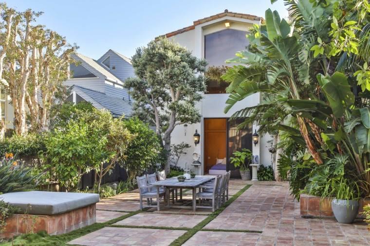 jardin-plantas-bellas-estilo-tropical-comedor