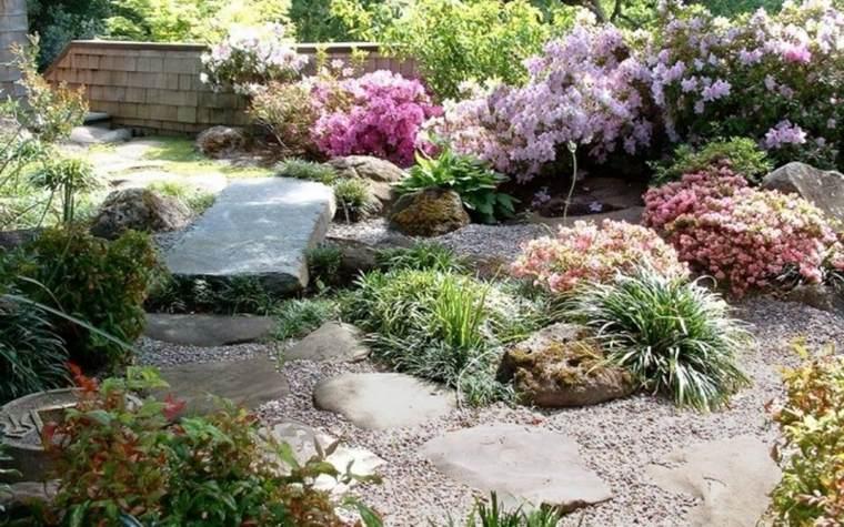 jardines con piedras arriates