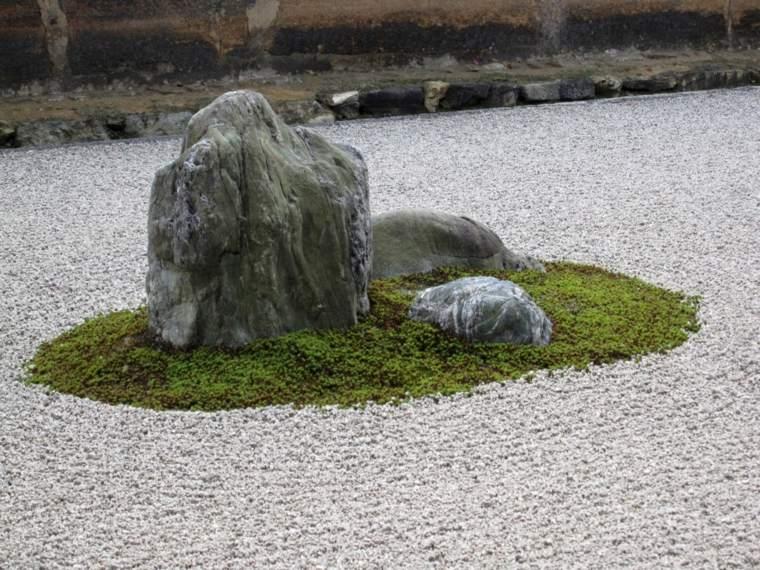 jardines con piedras ejemplo