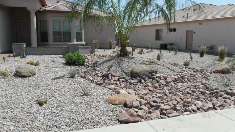 jardines con piedras modernos