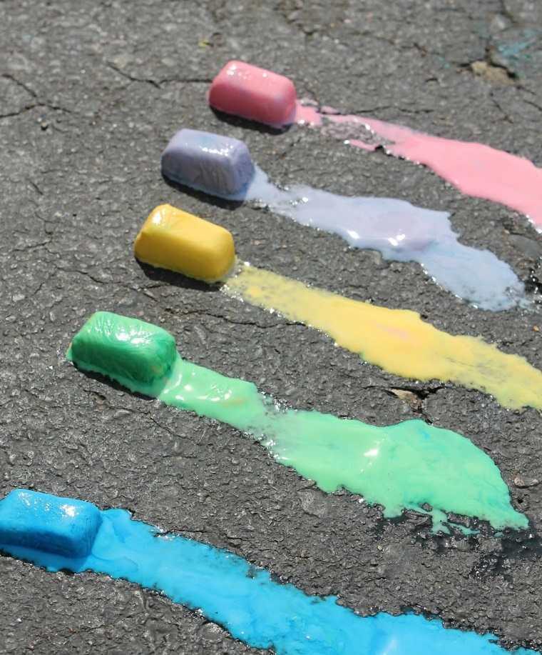 juegos-infantiles-huelo-tizas-colores-ideas