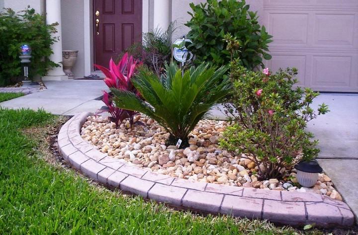 Decoracion de jardines con bordes de diferentes materiales for Piedras decorativas jardin precio