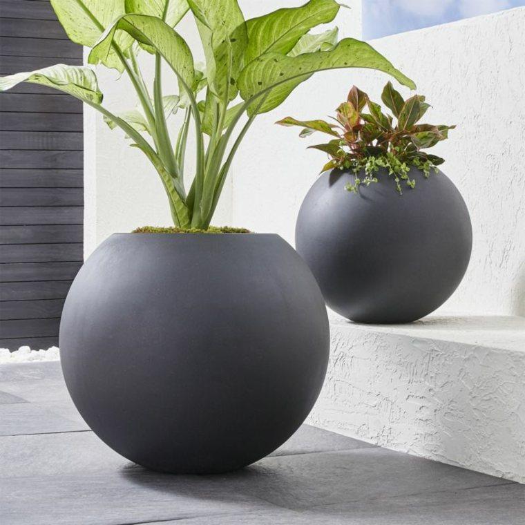macetas minimalistas-decorar-exteriores