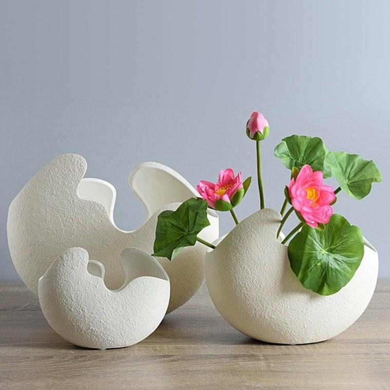 mesas de jardin-decoradas-flores-jarrones