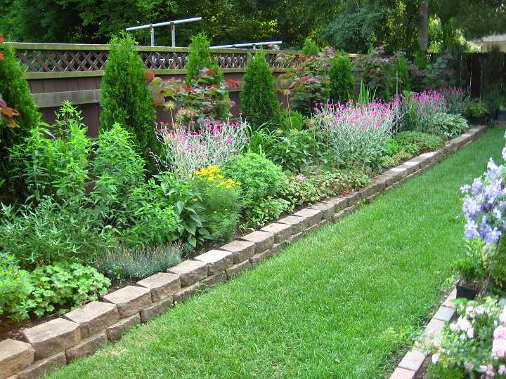 muro-bajo-contencion-flores