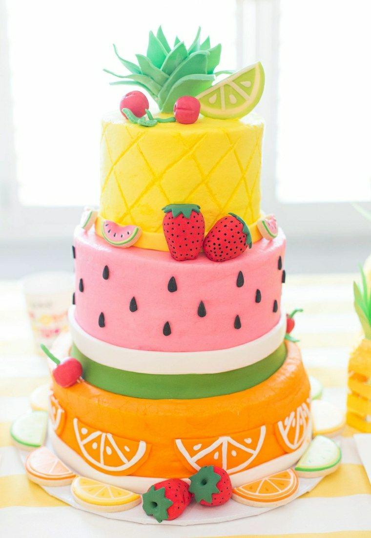 pastel-nina-tres-pisos-frutas-ideas
