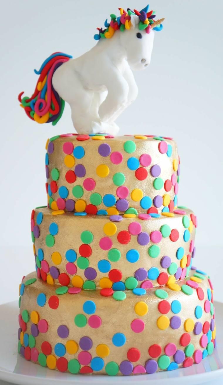 pastel-ninos-unicornio-tres-pisos