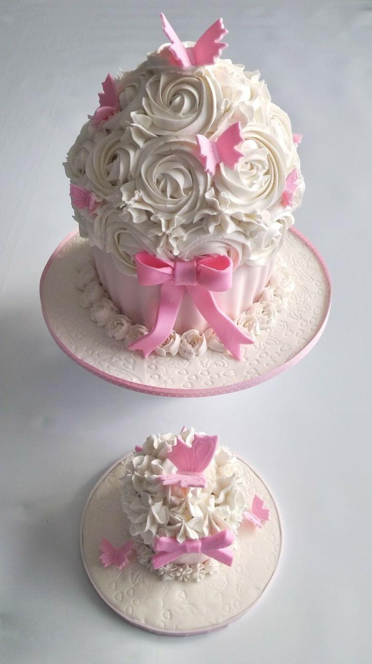 pasteles para niñas-forma-magdalena-color-blanco-crema-ideas-originales