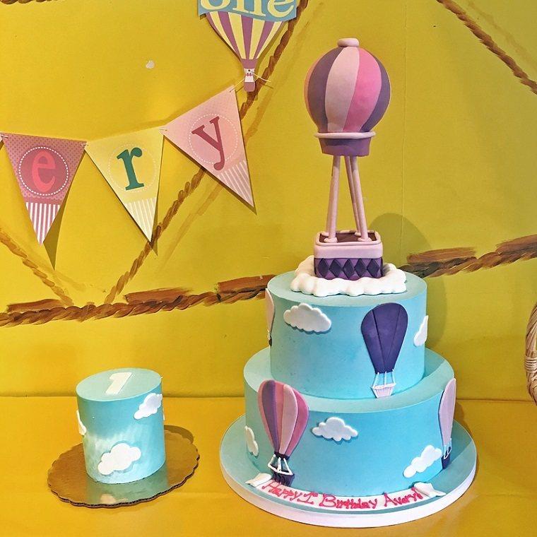 pasteles-para-ninas-color-azul-globo-decoracion