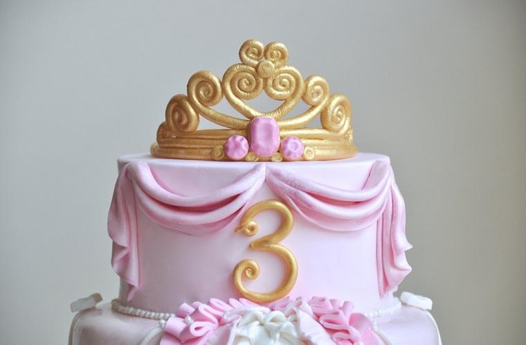 pasteles para niñas tres-anos-azucar-rosa-blanco-princesa