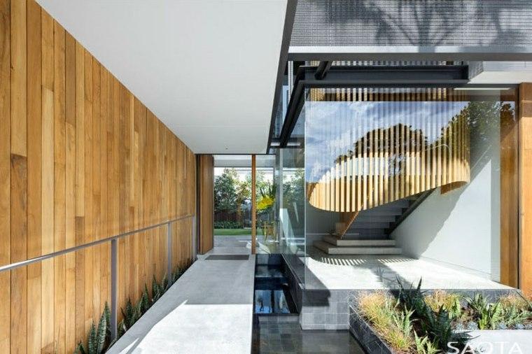 patio-piscina-moderna-cristales