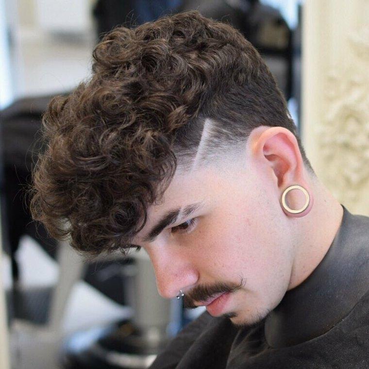 Corte de pelo ahusado para el pelo rizado