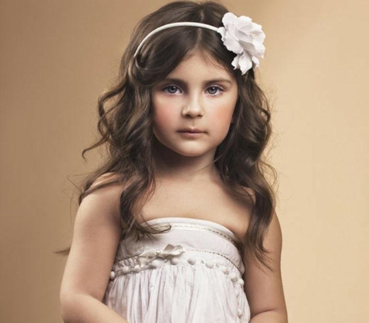 peinados faciles para niñas vestido