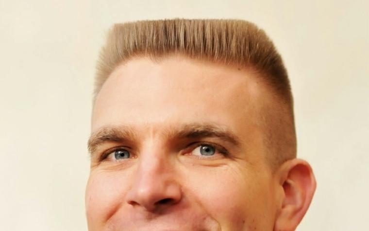 peinados modernos para hombres-flattop