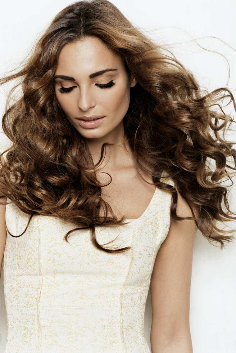 peinados mujer-pelo-chocolate-blush