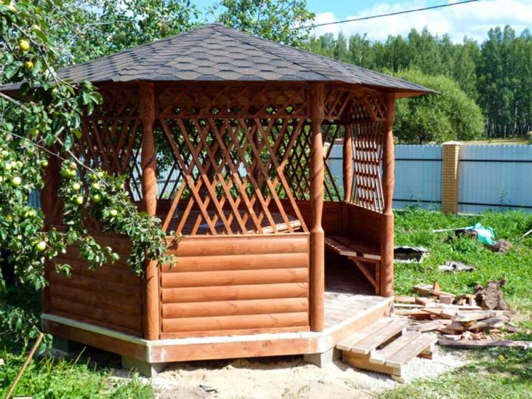pergolado clasico-madera-decorar-jardin