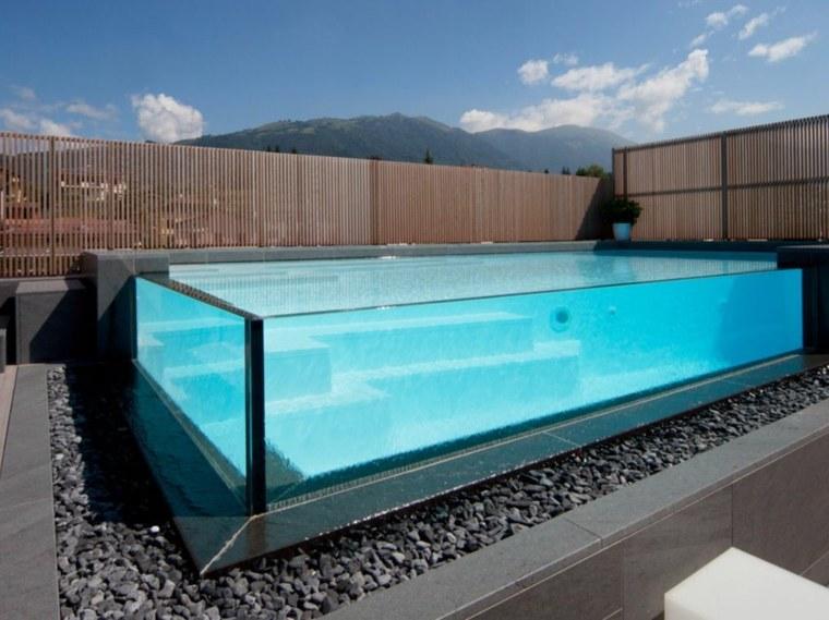 piscina-de-paredes-transparentes